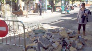 El PA denuncia que las obras de reparación del socavón llevan más de un mes paralizadas./Partido Andalucista de Alcalá de Guadaíra