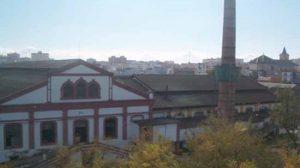 Los 'okupas' de este recinto fabril enclavado en la avenida de Miraflores acometieron tareas sociales y culturales en el interior de la antigua planta vidriera./SA