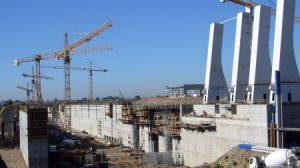 Tras 5 años de obras y una inversión de 160 millones de euros, la nueva esclusa del Puerto de Sevilla se encuentra ya operativa/Archivo
