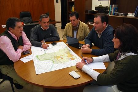 Otras localidades sevillanas, como Tocina, han tenido que reactivar sus planes de emergencia ante posible anegaciones./SA