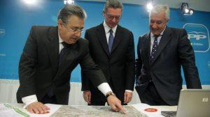 Zoido mostró al lider de los populares de la ciudad de Madrid su proyecto de metropolitano
