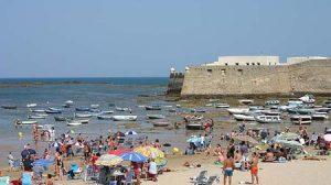 La Junta autorizará la ocupación de playas, acantilados, dunas o marismas, entre otros