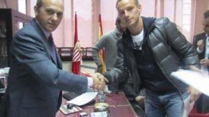 Rakitic ha sido el primero en firmar, hasta 2015/sevillafc