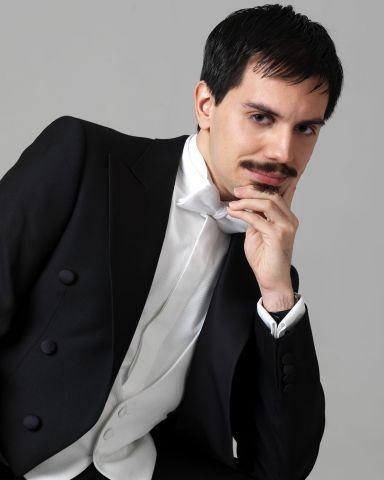 Juan Sancho ha actuado en salas y casas de ópera internacionales de prestigio como en el Teatro alla Scala de Milán, el Barbican Center de Londres o el Lincoln Center neoyorquino.
