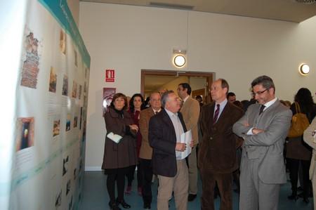 La exposición es una muestra de todas las actuaciones que se han llevado a cabo para conservar el río Guadaíra./SA