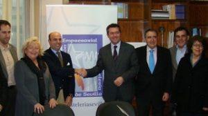 Juan Espadas promete a los hosteleros agilizar y facilitar los trámites para las licencias de apertura./Prensa PSOE
