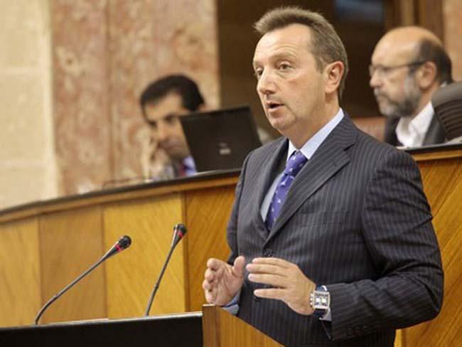 Recio ha comparecido para explicar que las irregularidades ascienden a 146 casos