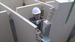 Manuel Rey hoy ha puesto la última pieza de la estructura del Metropol Parasol/SA