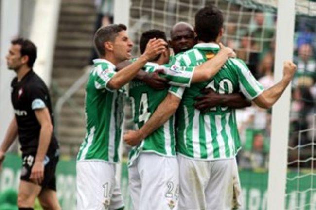 Los jugadores del Betis celebran el gol de Jorge Molina/Real Betis