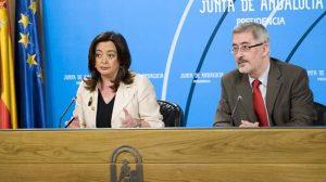 El consejero Ávila ha explicado el nuevo decreto a los medios de comunicación