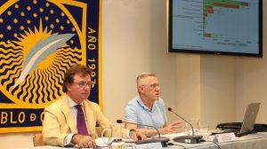 Andrés Rodríguez y Francisco Llera durante la presentación, esta mañana del Upobarómetro 2011