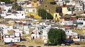 Vista parcial del barrio de San Miguel, a las faldas del Castillo de Alcalá de Guadaíra