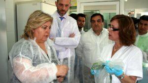La consejera Clara Aguilera ha visitado este lunes un laboratorio agroalimentario en Granada