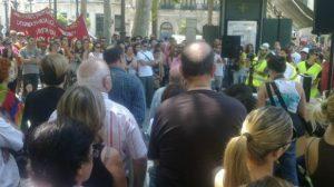 Decenas de 'indignados' están ya en Plaza Nueva/Imagen de @tintrash en twitter