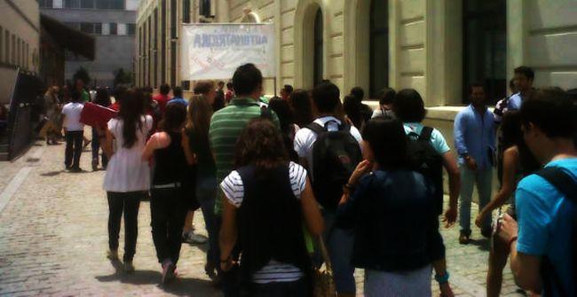 manifestacion-estudiantes-derecho-us-090611