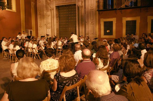 La Plaza de San Lorenzo acogió el acto que conmemoró los 75 años del estreno de la composición de Infante y Castillo