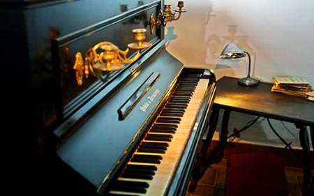 Piano de Blas Infante, que se encuentra en su Casa de Coria del Río donde compuso el Himno de Andalucía/Museo de la Autonomía