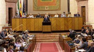 La reforma fija que ningún directivo puede cobrar más que el presidente de la Junta
