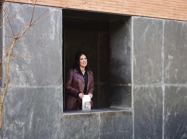 Eva Díaz presenta esta tarde su libro en la Biblioteca Pública Infanta Elena/angelespinola