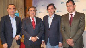 Juan Bueno, Juan Ignacio Zoido, Eloy Carmona y José Luis Sanz, ayer en Sevilla