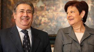 Zoido y Cruz Villalón esta mañana en el Ayuntamiento de Sevilla
