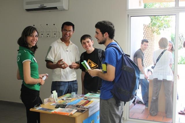 El desempleo juvenil llega al 48,56% y provoca la salida de los jóvenes al término de sus estudios en busca de una oportunidad de crecimiento profesional/Juan Carlos Romero