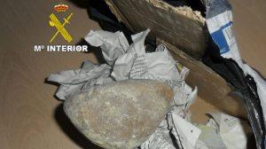 piedra-por-movil-guardia-civil-carmona-240212