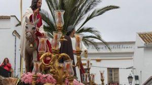 La Borriquita de Castilblanco se vió obligada a acortar su itinerario tras un aguacero en la Sierra Norte de Sevilla / Juan Carlos Romero