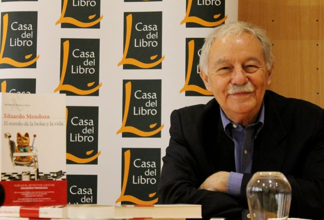 Eduardo Mendoza en la presentación 'El eneredo de la bolsa y la vida'/ Paula Romero