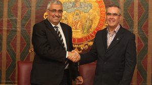El rector de la US, Antonio Ramírez de Arellano, y el Ministro de la Provincia Bética Franciscana, Joaquín Domínguez/SA