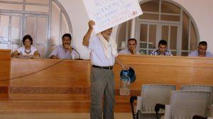 Las protestas por la falta de agua en la urbanización Sierra Norte de Castilblanco irrumpieron en el Pleno / Juan Carlos Romero