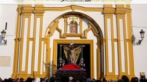 La hermandad hizo un llamamiento a los hermanos para evitar un periodo transitorio con una junta rectoral que podría suprimir la estación de penitencia del Jueves Santo / Imagen: Juan C. Romero