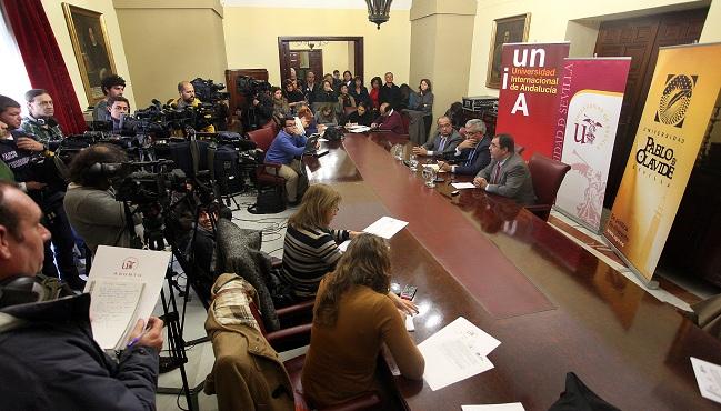 rectores-andalucia-comunicado-101212
