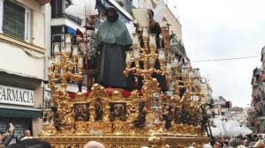 El señor de la Sentencia con capote rumbo a la Basílica de La Macarena / Alberto Martín (@Discober)