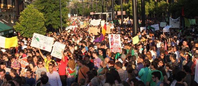 Movilización de la comunidad universitaria de Sevilla, Sevilla Para, en defensa de la Educación Pública / Juan Carlos Romero
