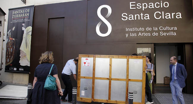 Los lienzos de Zurbarán han llegado esta tarde a la sede de la exposición municipal, el Espacio Santa Clara / Sevilla Actualidad