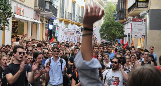 Las movilizaciones de la comunidad educativa en defensa de la Educación Pública en Sevilla / Juan Carlos Romero