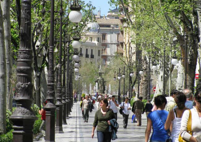 gente-caminando-calles-reven flickr2