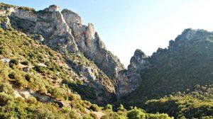 La Vía verde de la Sierra entre las provincias de Cádiz y Sevilla discurre por un antiguo trazado ferroviario y ha sido rehabilitada y puesta en valor con fondos europeos / Sevilla Actualidad