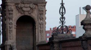 Uno de los torreones del Puente de San Benardo / Joaquín Corchero Arcos