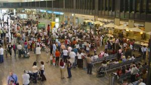 Esta campaña de sensibilización se enmarca dentro del 'Programa Estación Abierta' de Adif./Sevilla Actualidad