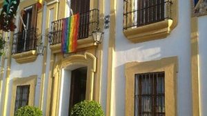 ayuntamiento-guillena-bandera-orgullo-LGTB