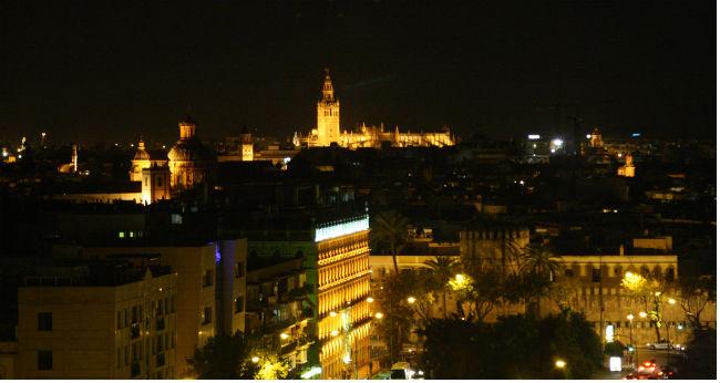 sevilla-nocturna-paco-abato-flickr