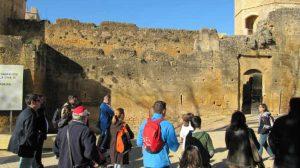 Visita de un grupo al Castillo2