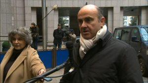El ministro de Economía, Luis De Guindos, se molestó ante una pregunta de la corresponsal de Canal Sur en Bruselas / Sevilla Actualidad