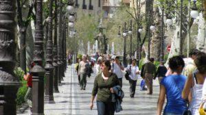 gente-caminando-calles-reven flickr