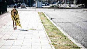 la-soledad-del-campeon-foto-maraton-sevilla-2014