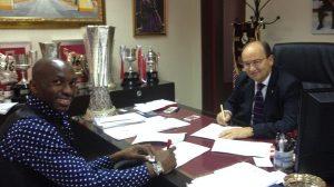 Mbia firma Sevilla FC
