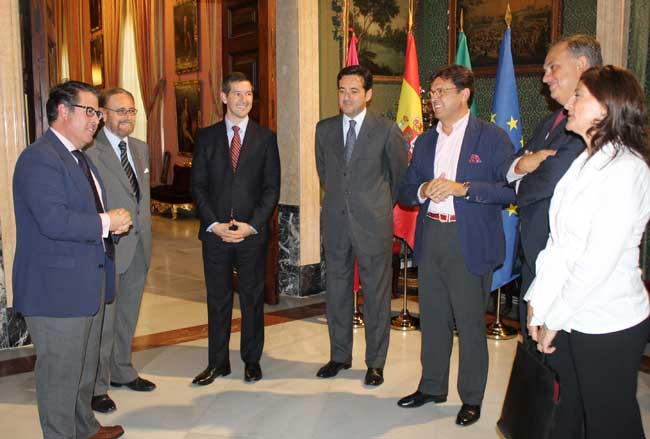 Los cónsules destinados a Sevilla promocionarán la ciudad en sus países/SA