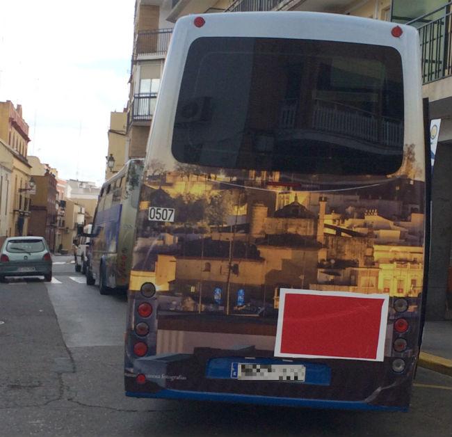 autobuses-urbanos-logo-psoe-tapado